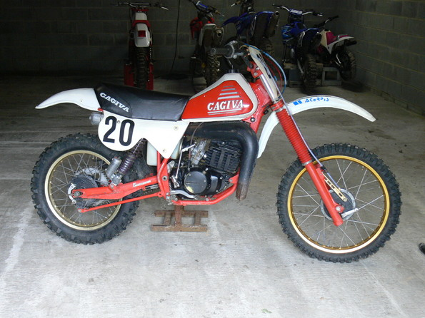 http://www.srcf.fr/forum/img_forum/2009/10/cagiva-250-rx-2.JPG