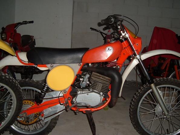 http://www.srcf.fr/forum/img_forum/2009/12/le-nostre-moto-154.jpg