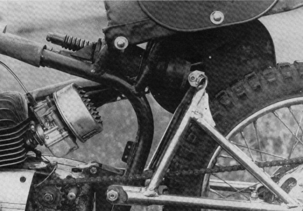 http://www.srcf.fr/forum/img_forum/2010/01/Gauche-moteur-suspension.jpg