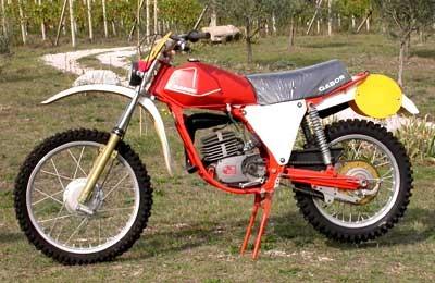 http://www.srcf.fr/forum/img_forum/2010/01/moto-cador.jpg