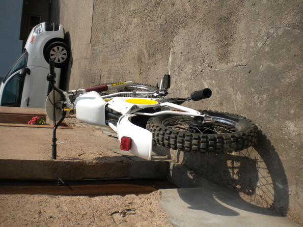http://www.srcf.fr/forum/img_forum/2010/07/moto-030.jpg