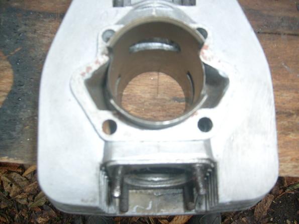 http://www.srcf.fr/forum/img_forum/2010/12/moto-1819.jpg