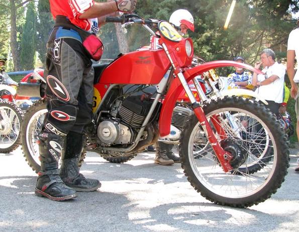 http://www.srcf.fr/forum/img_forum/2011/01/IMG-3941-MotoGuzzi-2C-Enduro.JPG