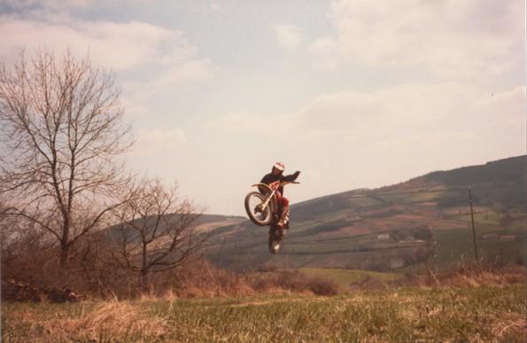 http://www.srcf.fr/forum/img_forum/2013/01/moto1-1.jpg