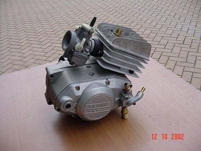 http://www.srcf.fr/forum/img_forum/2014/04/Moteur-Polini-avec-kit-a-eau-et-carter-pompe-2.jpg