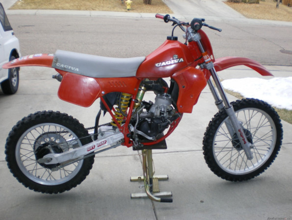 http://www.srcf.fr/forum/img_forum/2016/08/899_cagiva-83.PNG