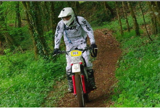 http://www.srcf.fr/forum/img_forum/2017/19/2105_enduro-plo-5.png